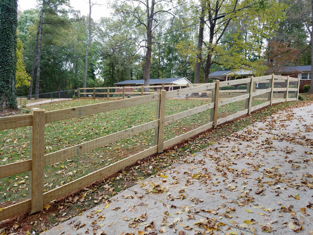 A Natural Look for Fencing in Gastonia & Kings Mountain, NC